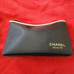 🔥 Chanel Beaute Makeup Bag EUC Rare